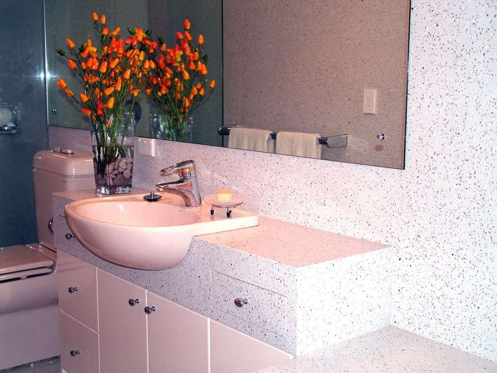 colins bathroom perla..